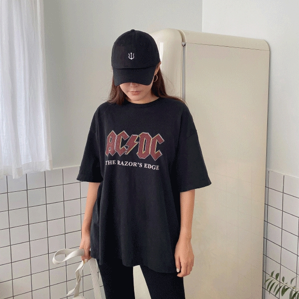 1区100%正宗韩国官网代购(韩国直发包国际运费)11am-T恤(2019-11-07上架)