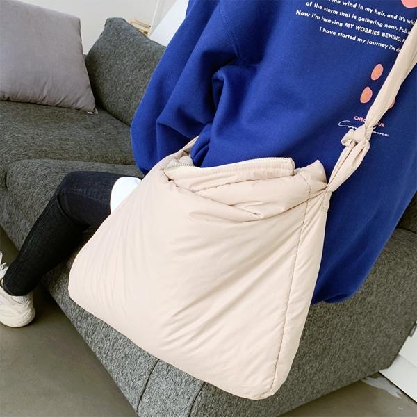 1区韩国本土服装代购(韩国圆通直发)66girls-单肩包(2019-03-19上架)