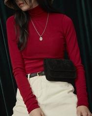 1区2017冬季新款韩国服装A-IN品牌高领时尚女性纯色斜挎包(2017.11月)