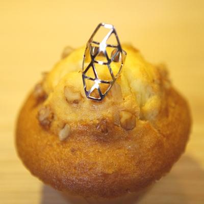 아루키-다이아웹링거대한 다이아몬드 모양의 거미줄 링!밋밋한 코디에 포인트로 딱 좋아요!