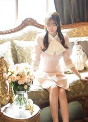 1区韩国代购正品验证attrangs-AGOP00849348-柔软嫩粉色蝴蝶结领连衣裙