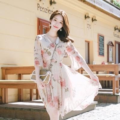 1区韩国本土服装代购(韩国圆通直发)attrangs-花色时尚V领连衣裙(2018-07-13上架)