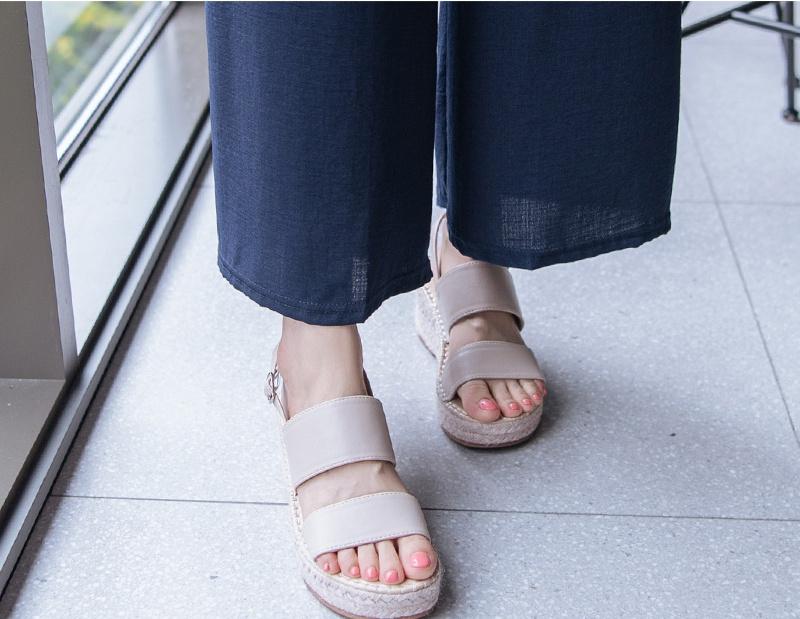 1区100%正宗韩国官网代购(韩国直发包国际运费)attrangs-凉鞋(2019-07-27上架)