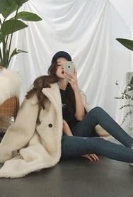 2018新款韩国服装attystory品牌长款保暖时尚大衣(2018.1月)