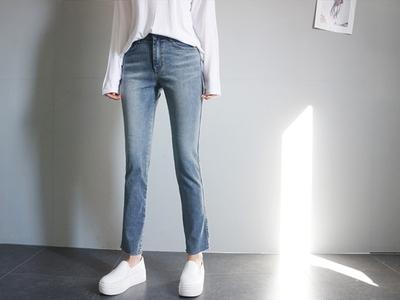 attystory-韩版直筒百搭牛仔裤