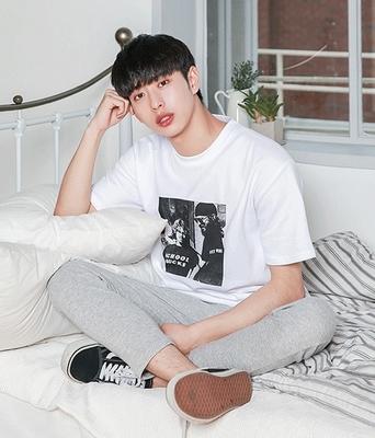 1区韩国本土服装代购(韩国圆通直发)boomstyle-韩版舒适宽松T恤(2018-04-14上架)