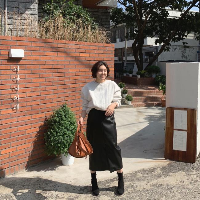 1区100%正宗韩国官网代购(韩国直发包国际运费)candyglow-长裙(2019-10-18上架)