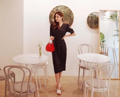 1区韩国本土服装代购(韩国圆通直发)cherryville-优雅魅力新款韩版连衣裙(2018-04-20上架)