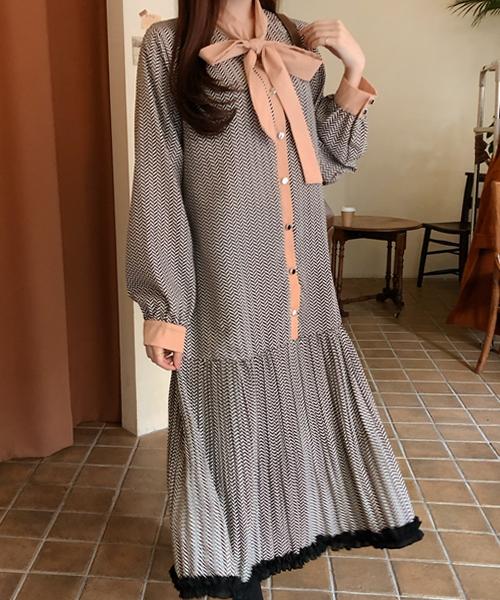 1区100%正宗韩国官网代购(韩国直发包国际运费)cherryville-连衣裙(2019-11-08上架)