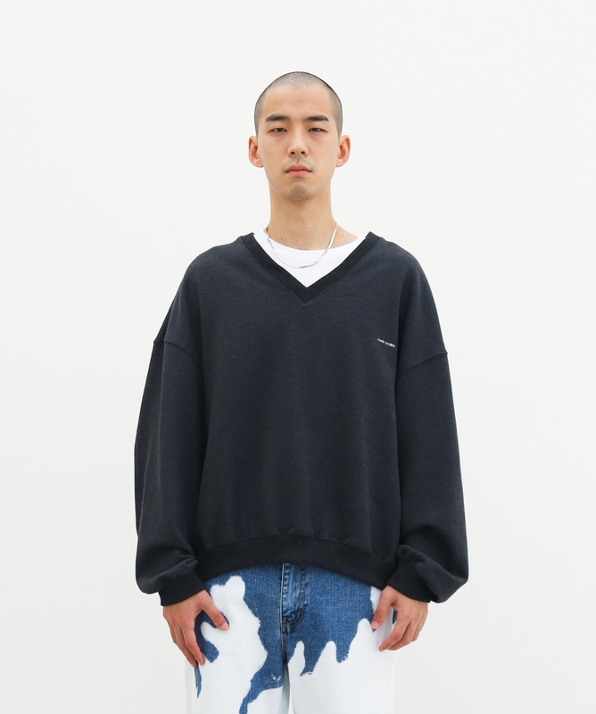 1区100%正宗韩国官网代购(韩国直发包国际运费)Chin Down-卫衣(2020-09-14上架)
