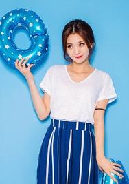 1区韩国服装网店代理一件代发chuu-UUTS00918403-V领纯色短袖韩版T恤