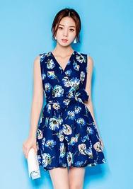 1区韩国服装网店代理一件代发chuu-UUOP00919063-花纹V领无袖后拉链连衣裙