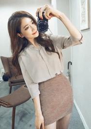 1区韩国服装网店代理一件代发chuu-UUBL00928442-纯色半开领单排扣七分袖衬衫