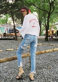 chuu-韩国时尚魅力破损韩国代购牛仔裤女装2017年08月10日08月款