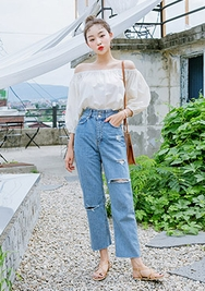 chuu-韩国时尚宽松破洞韩国代购牛仔裤女装2017年08月14日08月款