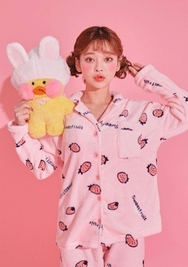 2018新款韩国服装chuu品牌清新草莓睡衣套装(2018.1月)