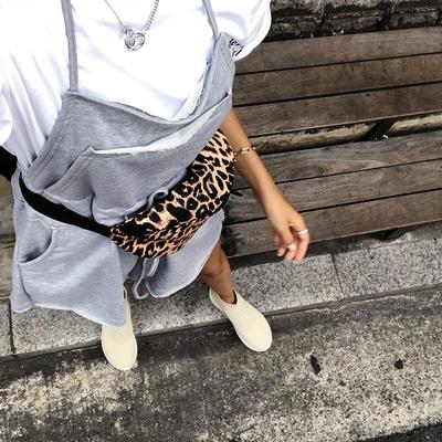 1区韩国本土服装代购(韩国圆通直发)Crazy girls-斜挎包(2018-09-03上架)