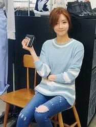 1区韩国代购正品验证ddaddadda-DAKN00849506-可爱条纹配色圆领针织衫