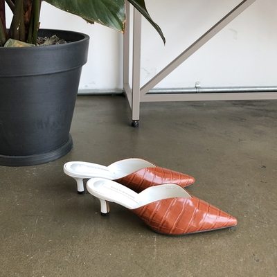 1区韩国本土服装代购(韩国圆通直发)Dodobling-尖头时尚新款高跟鞋(2018-04-20上架)