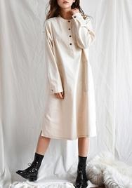 2018新款韩国服装goroke品牌休闲纯色圆领长袖连衣裙(2018.1月)