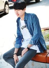 1区韩国服装网店代理一件代发hotboom-HBBL00924974-魅力彩绘口袋牛仔衬衫
