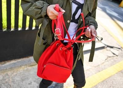 1区韩国本土服装代购(韩国圆通直发)百搭个性纯色背包(2018-07-23上架)
