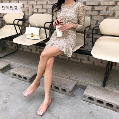 1区韩国本土服装代购(韩国圆通直发)Imvely-时尚花纹荷叶边连衣裙(2018-05-09上架)