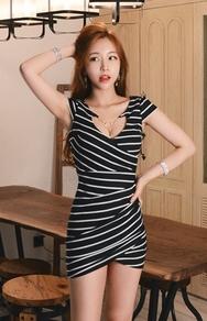 1区韩国服装网店代理一件代发jungmadam-JMOP00916116-性感项链装饰条纹连衣裙(制作商品)