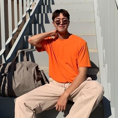 1区100%正宗韩国官网代购(韩国直发包国际运费)Mutnam-T恤(2019-06-25上架)