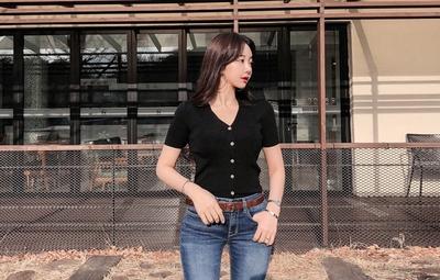 1区韩国本土服装代购(韩国圆通直发)mybany-韩版时尚魅力V领T恤(2018-04-02上架)
