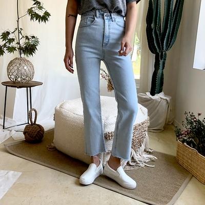 1区韩国本土服装代购(韩国圆通直发)qnigirls-韩版直筒时尚牛仔裤(2018-07-10上架)