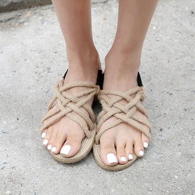 1区韩国本土服装代购(韩国圆通直发)qnigirls-韩版魅力流行凉鞋(2018-07-09上架)