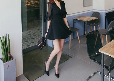 shescoming-春季清新V领连衣裙