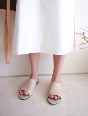 1区韩国本土服装代购(韩国圆通直发)ssumj-时尚简约纯色拖鞋(2018-04-19上架)