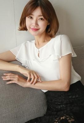 1区韩国本土服装代购(韩国圆通直发)styleberry-时尚优雅纯色衬衫(2018-07-06上架)
