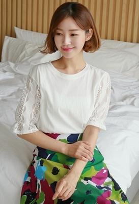 1区韩国本土服装代购(韩国圆通直发)styleberry-时尚韩版纯色蕾丝T恤(2018-07-06上架)
