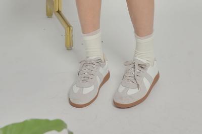 1区韩国本土服装代购(韩国圆通直发)stylenanda-休闲舒适配色运动鞋(本商品非新品请联系客服核对再下单-14上架)