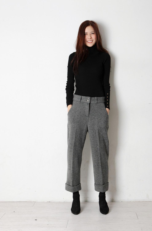 鞋子与服装的搭配_灰色衣服搭配什么颜色的围巾、裤子、鞋-