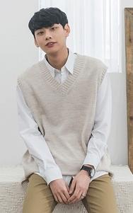 2018新款韩国服装tomonari品牌时尚流行针织马甲(2018.1月)