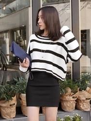 1区韩国代购正品验证uptownholic-UPKN00766445-韩版条纹人气百搭舒适象牙色针织衫