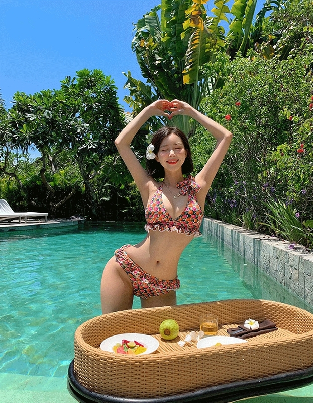 1区100%正宗韩国官网代购(韩国直发包国际运费)Vivamoon-泳装(2020-04-15上架)