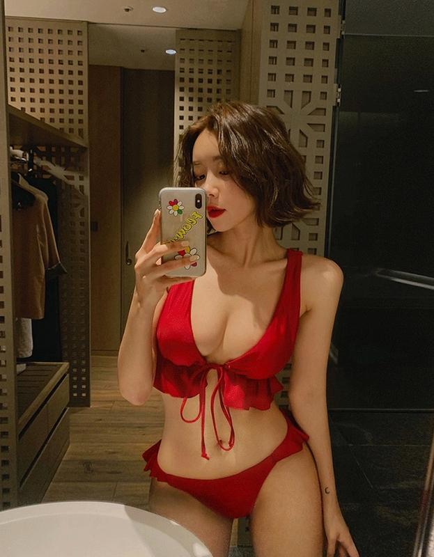 1区100%正宗韩国官网代购(韩国直发包国际运费)Vivamoon-泳装(2020-05-15上架)