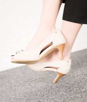 Kitten heel shoes