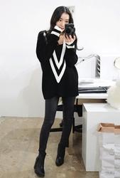 1区韩国代购正品验证whitefox-WFKN00831312-性感配色宽松深V领针织衫