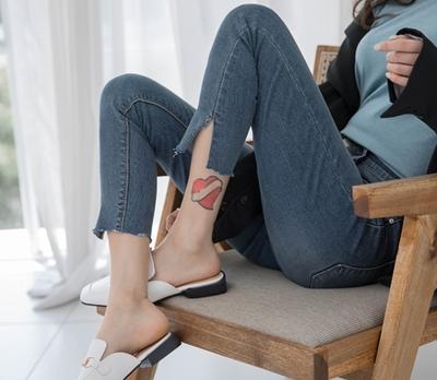 1区韩国本土服装代购(韩国圆通直发)whitefox-紧身款魅力牛仔裤(2018-04-24上架)