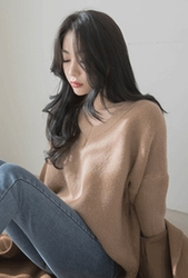 2018新款韩国服装whitefox品牌时尚流行V领针织衫(2018.1月)